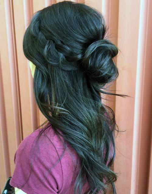 Прически с пучком на длинные волосы_11