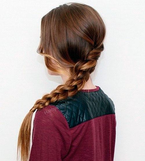 Милая скрученная коса