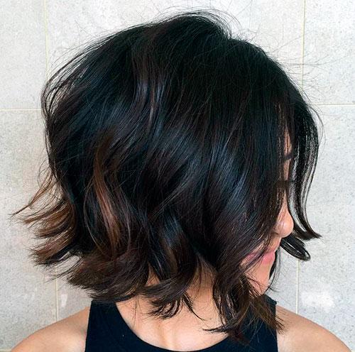 Каре средней длины на вьющиеся волосы