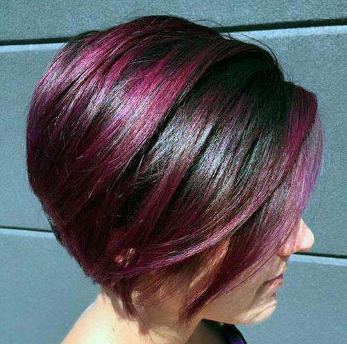 Прическа с фиолетовым цветом волос с одной стороны
