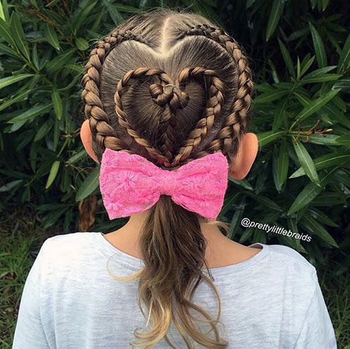 Сердце из кос и конский хвост