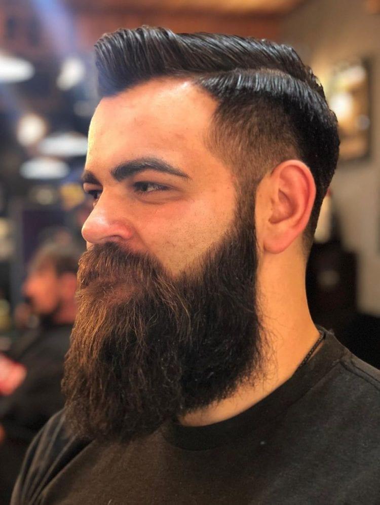мужская стрижка волосы на бок