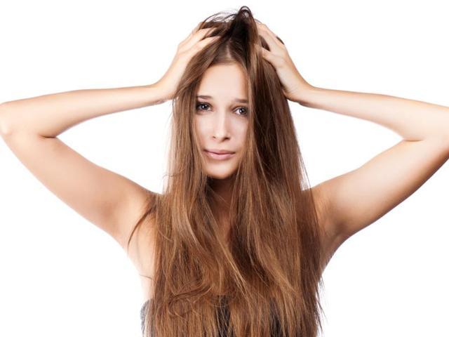 сильно лезут волосы причины и что делать