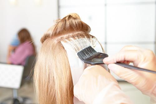 Как покрасить волосы в блонд без желтизны_2