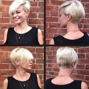 Короткая стрижка на платиновых волосах с темными корнями