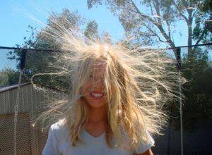 Что делать если магнитятся волосы