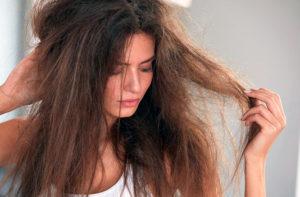 пушатся сухие волосы