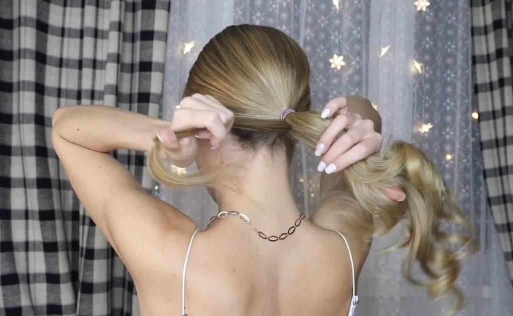 Низкий хвост на длинные и средние волосы шаг 9