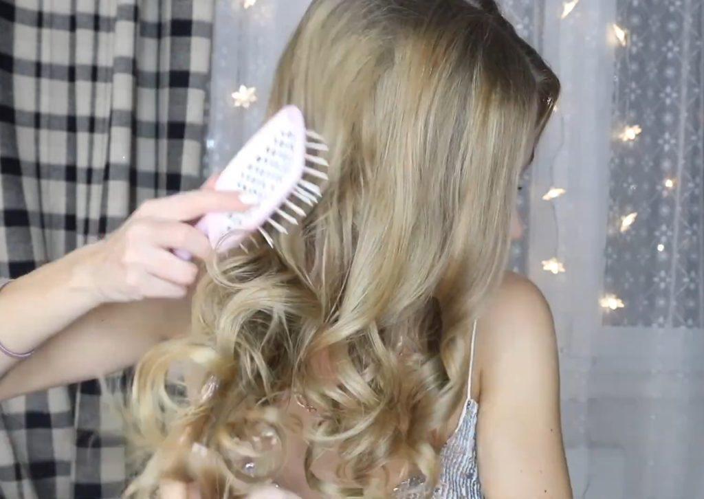 Низкий хвост на длинные и средние волосы шаг 4