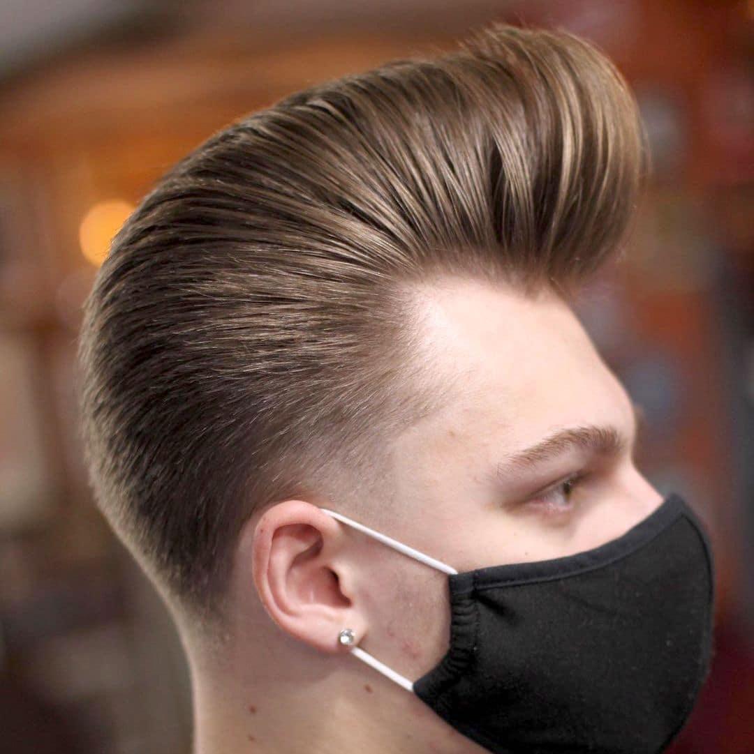 Классический Помпадур на средние волосы
