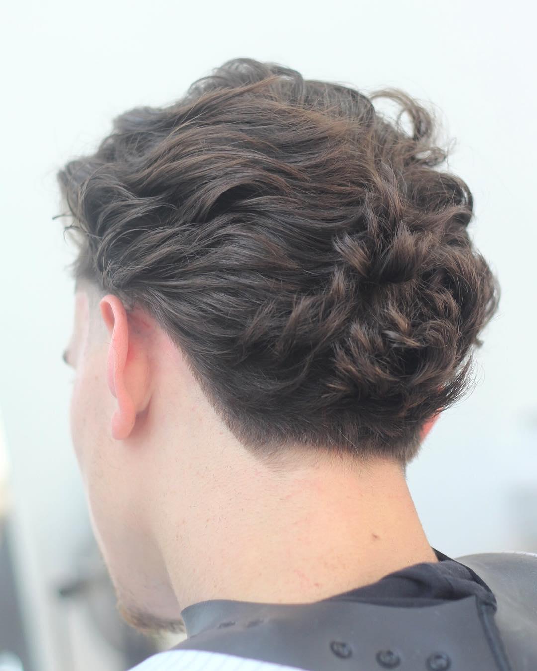 Улетная стрижка на длинные вьющиеся волосы